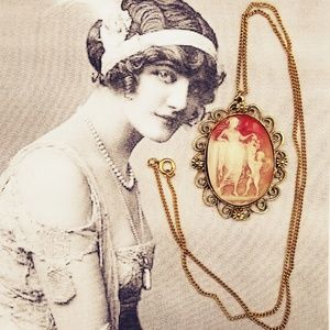 Vintage lucite carved Cameo necklace